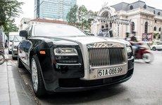 """""""Chộp"""" ngay ảnh Rolls-Royce Ghost của nhà chồng Tăng Thanh Hà tái xuất trên phố"""