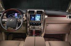 Hết muốn bị chê, Lexus quay về với màn hình cảm ứng cũ