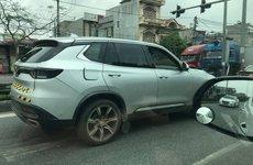 Bộ đôi VinFast Lux lộ diện trên đường chạy thử ở Việt Nam