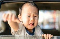 Đừng vô tâm để lại trẻ nhỏ trên ô tô!