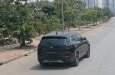 VinFast LUX SA2.0 'đặt chân' đến Thủ đô thử nghiệm, rất gần người Việt