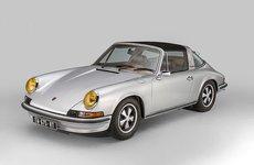 Porsche 911 Targa gây ấn tượng với khoang nội thất độ da thủ công của Berluti