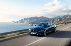 Jaguar XJ 2020 thế hệ mới vẫn sẽ có động cơ xăng