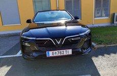 VinFast LUX SA2.0 và LUX A2.0 lăn bánh thử nghiệm tại châu Âu