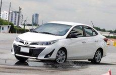 Giá niêm yết sau khi giảm của Toyota Vios so với các đối thủ khác trong phân khúc như thế nào?