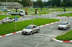 Bằng lái xe B1, B2, C, D, E, F là gì, lái được xe gì?