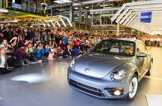 Chiếc Volkswagen Beetle cuối cùng rời dây chuyền sản xuất, kết thúc một cuộc đời