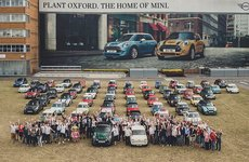 MINI chào mừng chiếc xe thứ 10 triệu xuất xưởng tại nhà máy Oxford