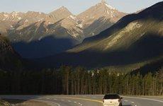 9 lưu ý nên biết khi đi ô tô trên đường đèo núi