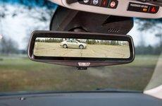 Cadillac giới thiệu gương chiếu hậu điện tử cho xe sang