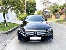 Bán Mercedes Benz E250, màu đen nội thất đen sang trọng, sản xuất 2018, xe mới nguyên như xe mới