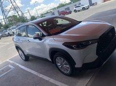 Bán xe Toyota Corolla Cross 1.8G sản xuất 2021 - màu trắng giao ngay