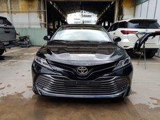 Thanh lý gấp 1 xe Toyota Camry 2.0G đời 2020 mới 100%, màu đen nội thất kem