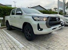 Toyota Hilux 2.4 AT New 2021 đủ màu giao ngay, góp 160tr