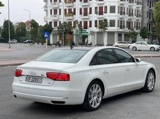 Cần bán xe Audi A8 đời 2011, màu trắng số tự động