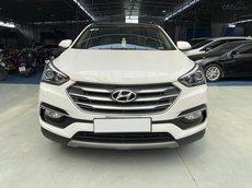 Cần bán Hyundai Santa Fe máy dầu 2 cầu năm sản xuất 2018, giá chỉ 955 triệu