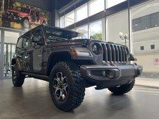 Jeep Wrangler Rubicon xám, sẵn giao ngay