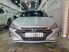 Bán xe Hyundai Elantra đời 2019, màu bạc giá cạnh tranh