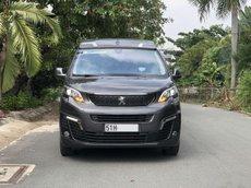 Cần bán lại xe Peugeot Traveller Premium 2020, màu xám chính chủ