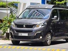 Cần bán xe Peugeot Traveller Premium sản xuất 2020, màu xám
