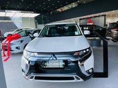 Bán Mitsubishi Outlander sản xuất 2021, màu trắng, giá 825tr