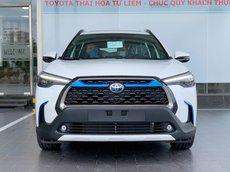 Toyota Cross HV màu đen giao ngay tại Hà Nội