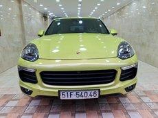 Porsche Cayenne mới nhất hành tinh, option full không thiếu món nào, sơn zin 100%, cửa sổ trời toàn cảnh, nội thất ốp gỗ