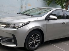 Bán Toyota Corolla Altis G máy 1.8 số tự động, đời T9/2019, màu bạc đẹp mới 95%