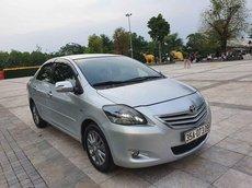 Cần bán gấp Toyota Vios sản xuất năm 2012, màu bạc, giá tốt