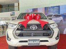 Toyota Hilux 2.4 4x2 AT sản xuất 2021, giá tốt, đủ màu, sẵn xe giao ngay