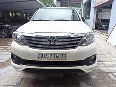 Toyota Fortuner Sportivo 2015 trắng tinh khiết