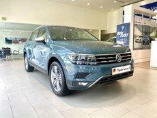 Xe Volkswagen Tiguan Luxury S 2021 màu xanh Petro còn 1 em giao ngay hiếm có
