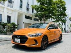 Bán Hyundai Elantra sản xuất 2016 màu vàng cam ấn tượng