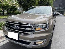 Bán ô tô Ford Everest Titanium 4X2 ghi vàng 2020
