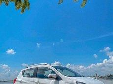 Cần bán xe VinFast Fadil năm 2021, màu trắng