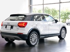 Cần bán xe Audi Q2 đời 2017, màu trắng, nhập khẩu chính chủ