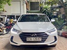 Cần bán gấp Hyundai Elantra năm 2018, màu trắng chính chủ, 519tr