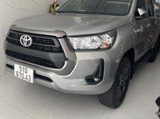Bán Toyota Hilux 2020, màu xám, nhập khẩu xe gia đình, giá 695tr