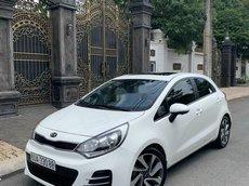 Xe Kia Rio 2016, màu trắng, nhập khẩu xe gia đình