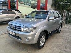 Cần bán xe Toyota Fortuner sx 2015 máy dầu