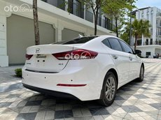 Bán Hyundai Elantra 1.6GLS năm sản xuất 2019, màu trắng, 568tr