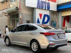Bán Hyundai Accent 2019, màu bạc chính chủ