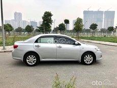 Cần bán xe Toyota Corolla 2010, màu bạc, nhập khẩu nguyên chiếc, giá hời
