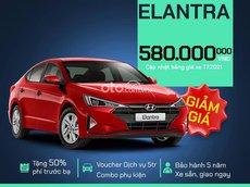 Bán Hyundai Elantra đời 2021, màu đỏ