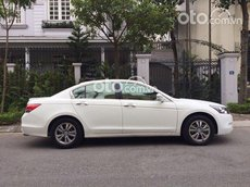 Honda Accord đời 2010 màu trắng chính chủ