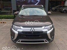 Bán Mitsubishi Outlander 2.0 CVT năm sản xuất 2021, màu nâu - Tặng máy lọc không khí