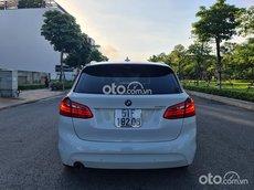 Cần bán xe BMW 218i sản xuất 2015, màu trắng, giá 750tr