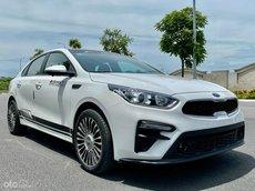 Cần bán xe Kia Cerato Deluxe 2019 màu trắng, xe trang bị full đồ chơi, giá cực hấp dẫn