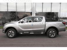 Cần bán xe Mazda BT 50 Premium 4x4 năm sản xuất 2021, màu bạc