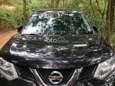 Bán xe Nissan X trail đời 2018 màu đen full option, giá cả hợp lí